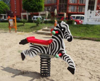 Balansoar pe arc Zebra 1.0 1